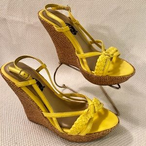 🆕 Bright Yellow Wedges